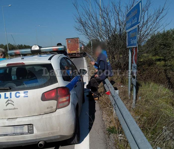 Νταλίκα παραβίασε stop και χτύπησε λεωφορείο του ΚΤΕΛ Φθιώτιδας - εικόνα 2