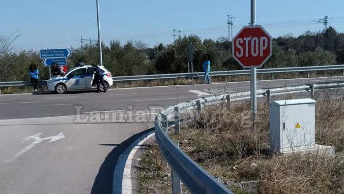 Νταλίκα παραβίασε stop και χτύπησε λεωφορείο του ΚΤΕΛ Φθιώτιδας - εικόνα 3