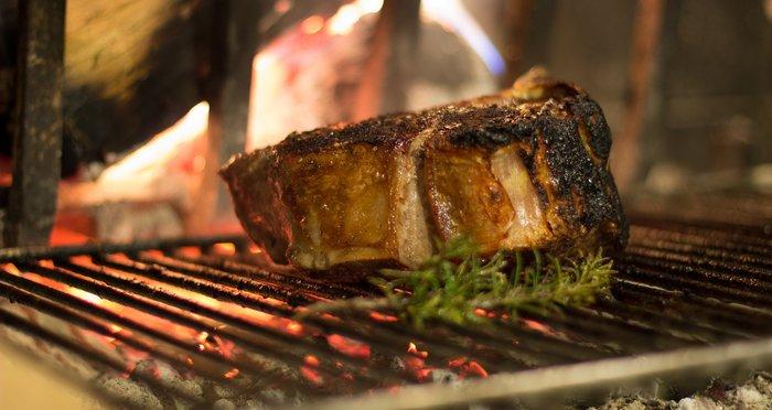 Έτσι ψήνουμε σωστά το κρέας: Τα 7 tips