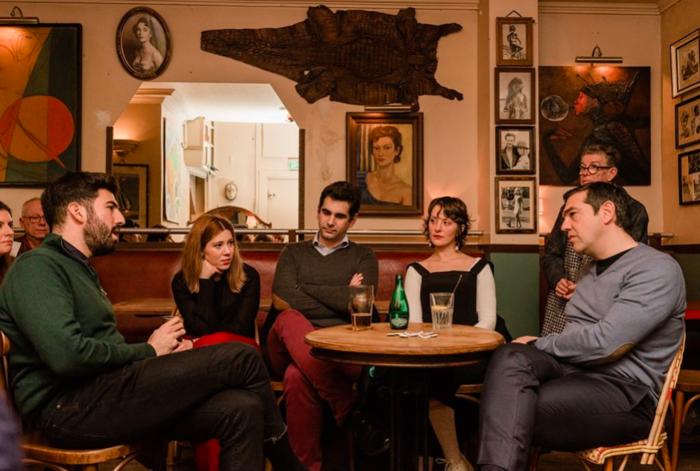 Mε casual εμφάνιση ο Τσίπρας συναντήθηκε με νέους στο Παρίσι - εικόνα 3