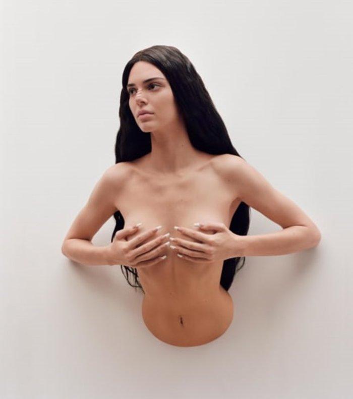Η Κένταλ Τζένερ μεταμορφώθηκε σε ημίγυμνο «έργο τέχνης»- Εικόνες - εικόνα 4